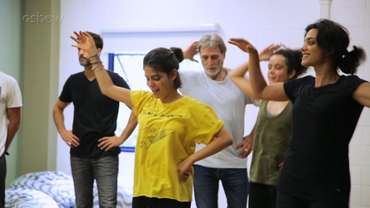 Elenco de 'Órfãos da Terra' faz aula de dança árabe