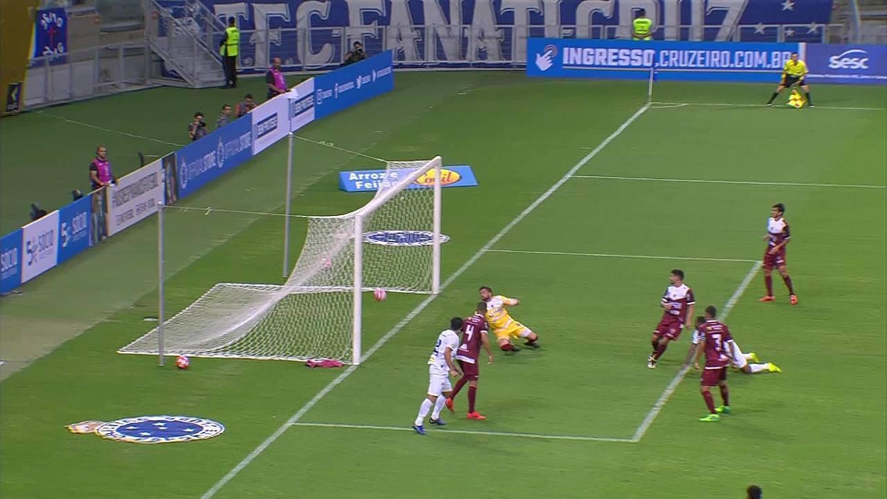 O primeiro gol foi na estreia do Cruzeiro na temporada, contra o Patrocinense