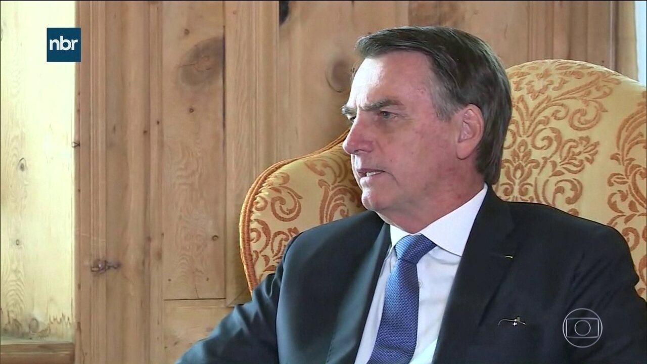 Bolsonaro e comitiva brasileira encerram participação em Davos