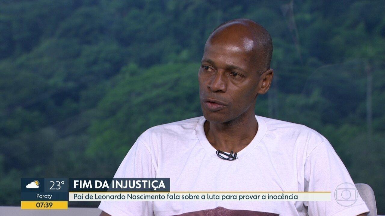 Pai de jovem preso injustamente fala sobre a luta para provar inocência do filho