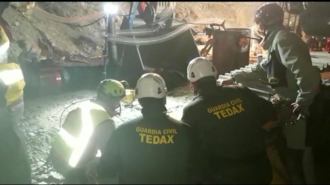 Menino que caiu em poço é encontrado morto na Espanha   Mundo   G1 c85d3344e4