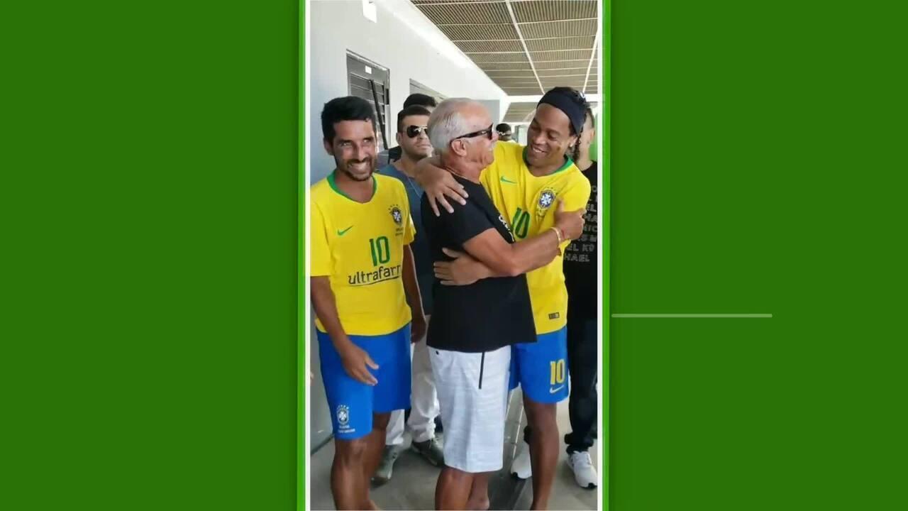 Ronaldinho Gaúcho estreia em futebol de areia na despedida de Jorginho 97c52dab599fb