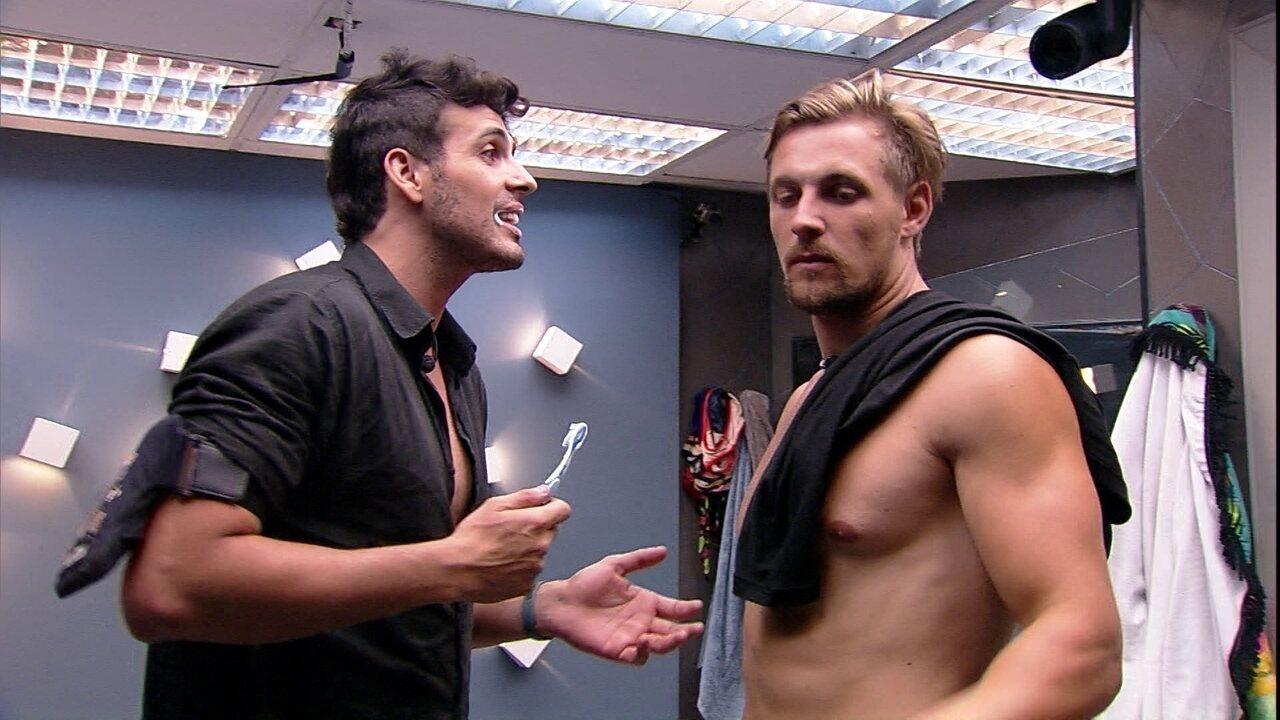 Diego conversa com Maycon sobre Rodrigo: 'Não queria que ele tivesse escutado'