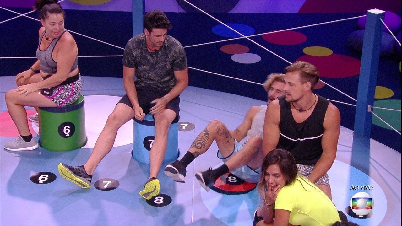 Prova do Líder Dança das Cadeiras: Alan é o primeiro eliminado