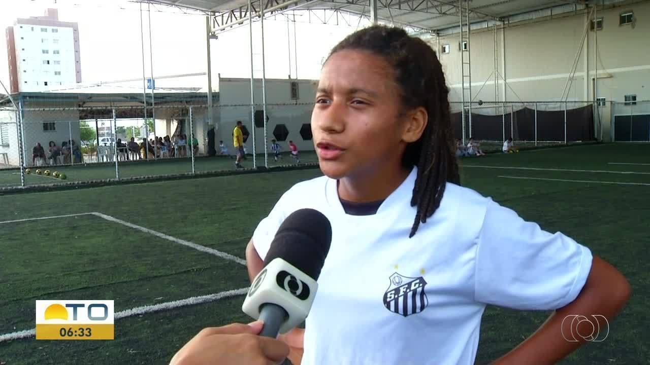Futura Marta  garota de 12 anos se destaca por suas habilidades no futebol 52b6c1eb1bb14