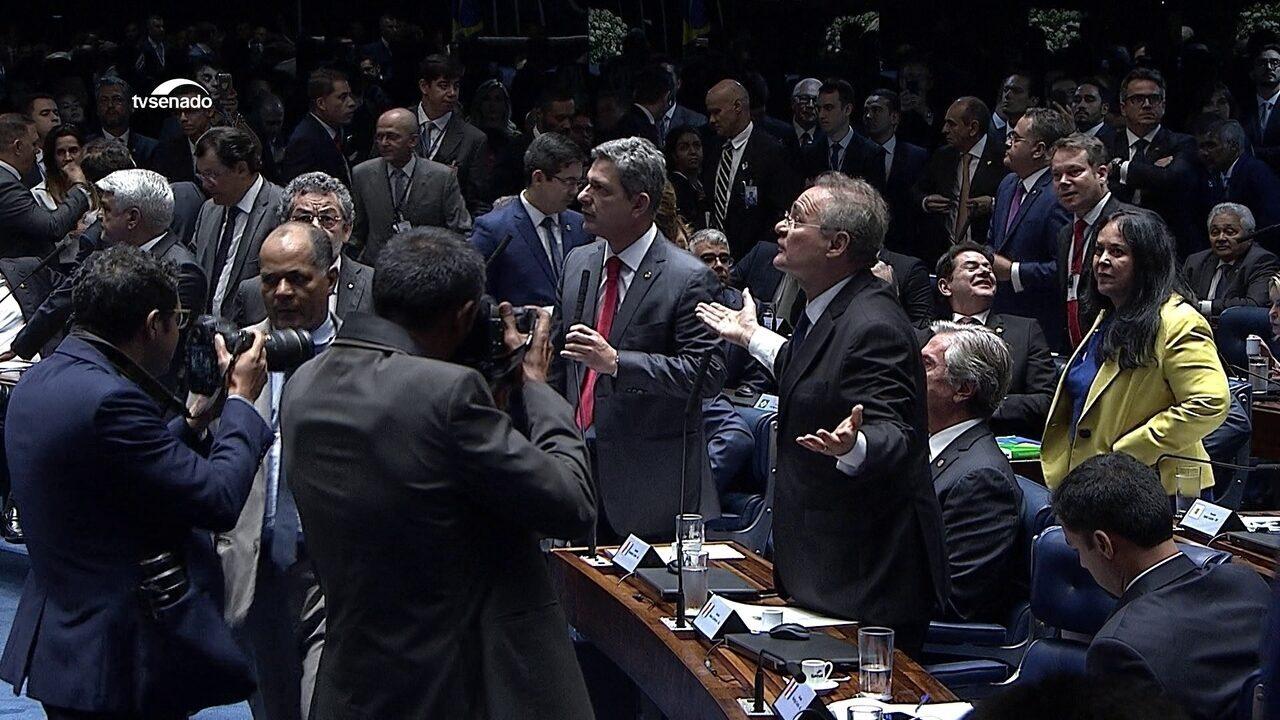 Senadores batem boca durante eleição do novo presidente da Casa