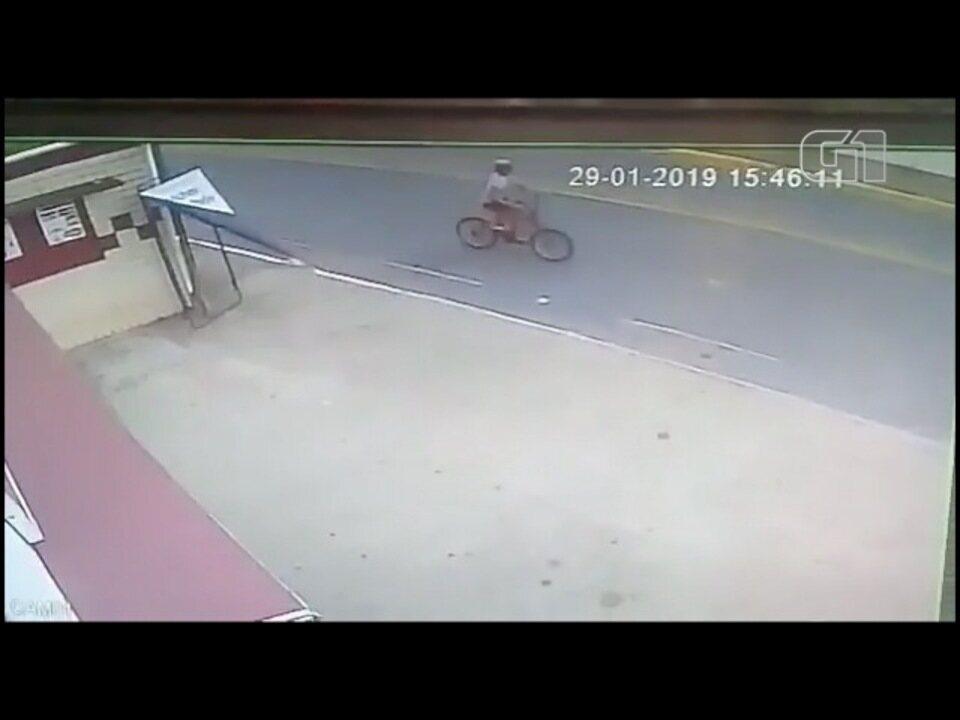 Menino de 12 anos é atropelado por moto em Cachoeira Paulista