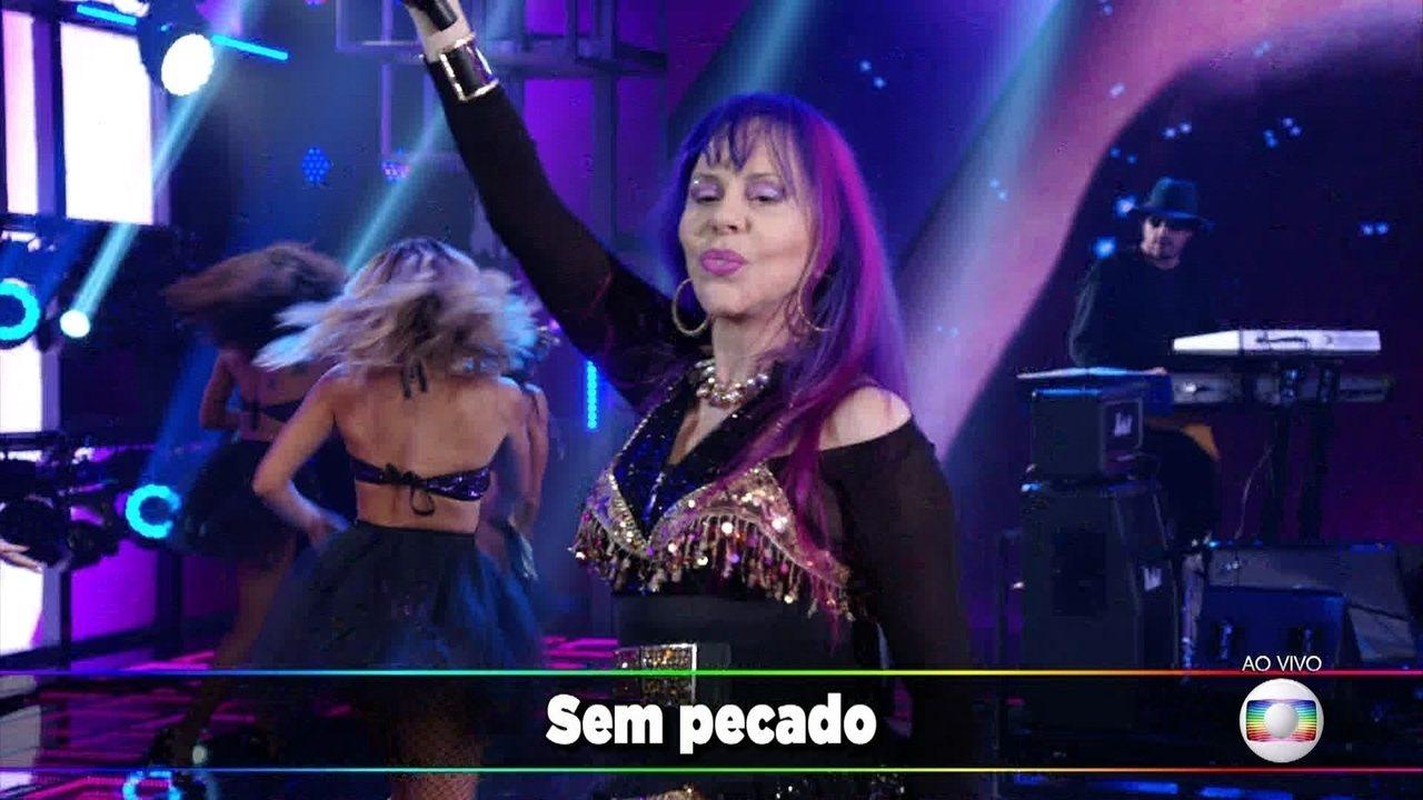 """Baby do Brasil levanta o Domingão com """"Sem Pecado e Sem Juízo"""""""