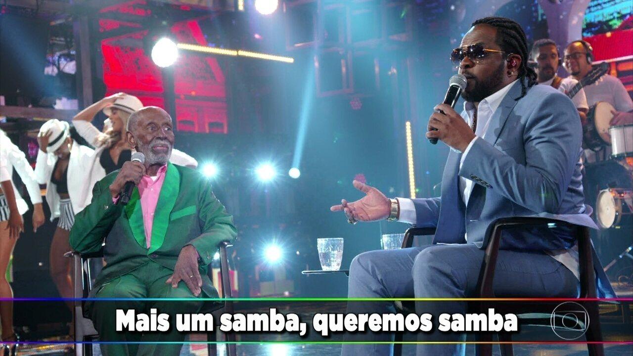 """Nelson Sargento e Xande de Pilares cantam o sucesso """"A Voz do Morro"""""""