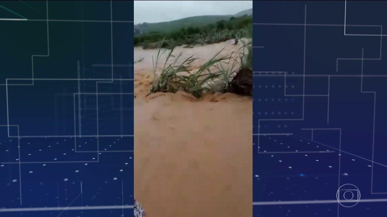 Chuva provoca estragos em Pernambuco