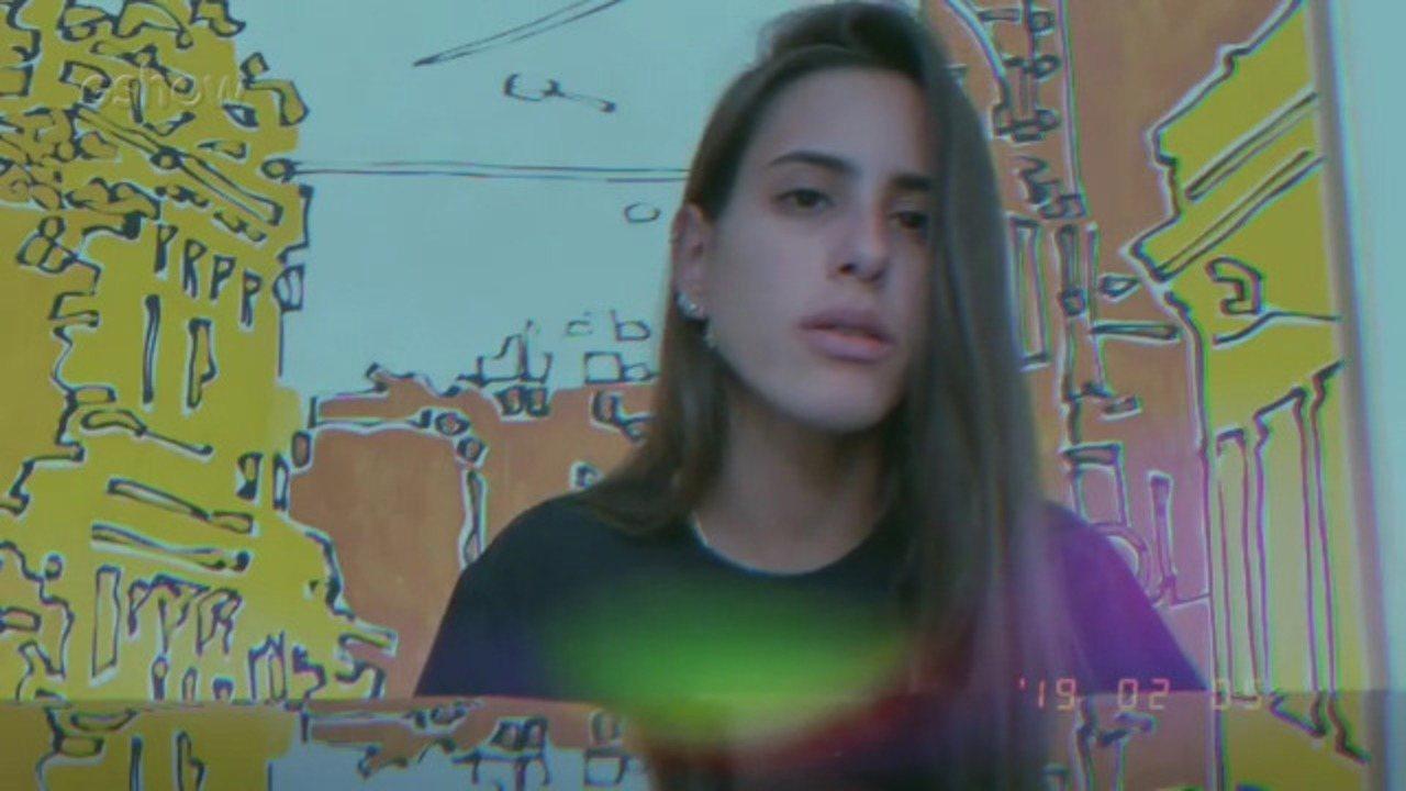 Ana Morais cantando