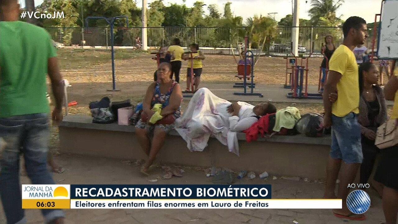 Lauro de Freitas, Simões Filho e Itabuna: eleitores pegam fila para cadastro da biometria