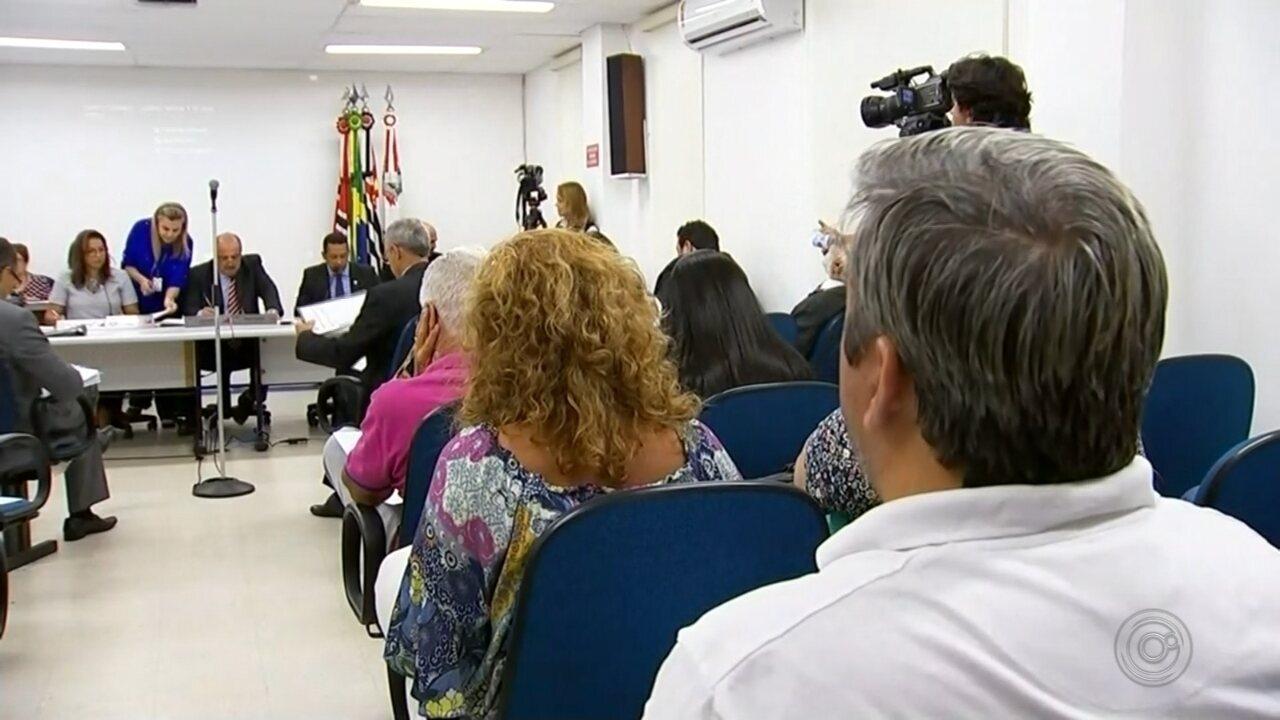 Vereadores formam 22 comissões permanentes da Câmara na 1ª sessão do ano em Rio Preto