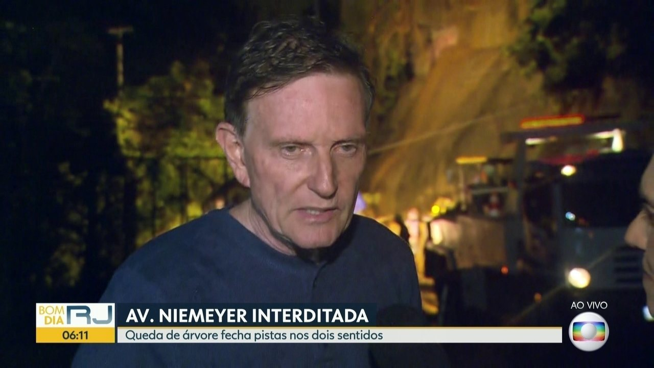 Prefeito Marcelo Crivela fala sobre estado crítico do Rio após chuvas