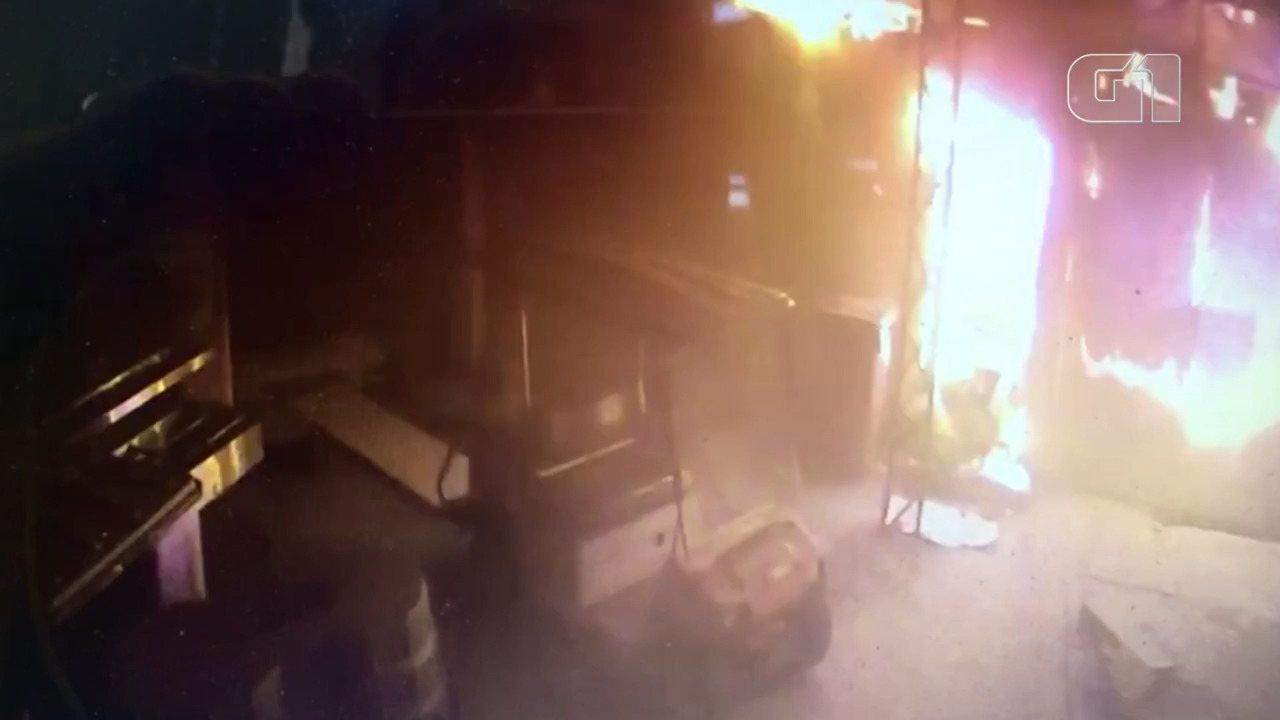 Vídeo mostra sobrevivente escapando de incêndio no CT do Flamengo