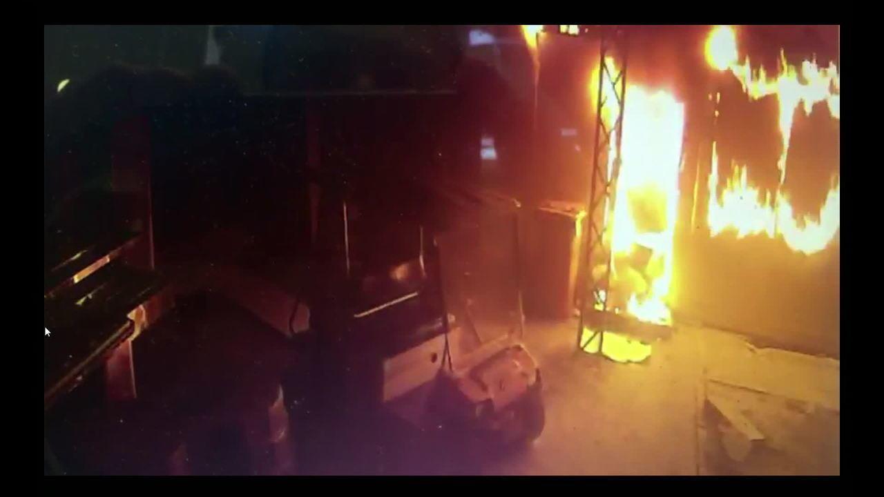 Imagens mostram momento do incêndio no CT do Flamengo