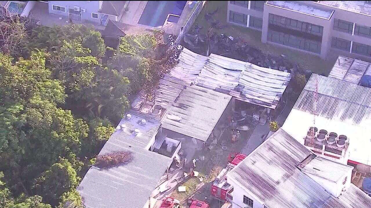 Dez jovens morrem em incêndio no centro de treinamento do Flamengo