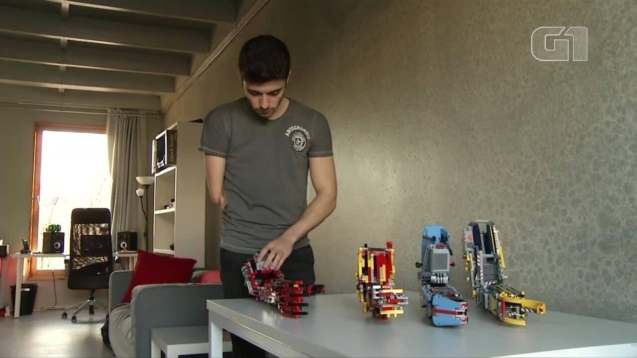 Jovem constrói sua própria prótese usando peças de Lego