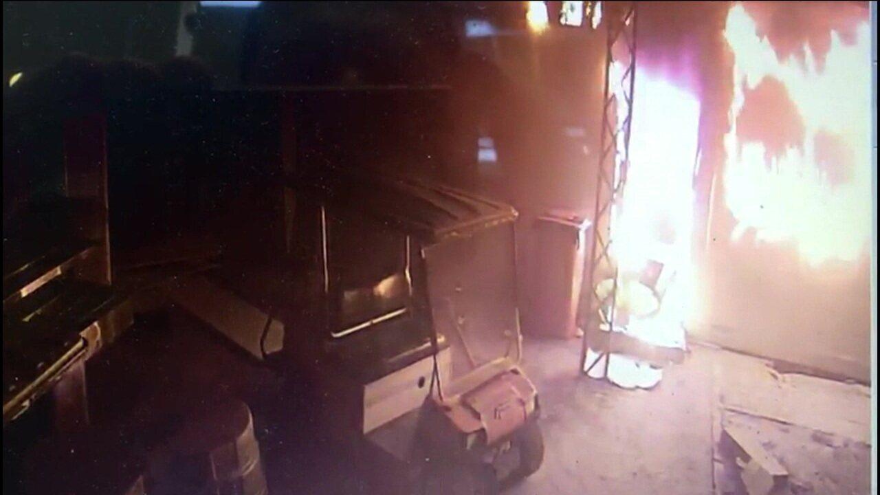 Confira a reconstituição do incêndio no CT do Flamengo que matou dez jovens
