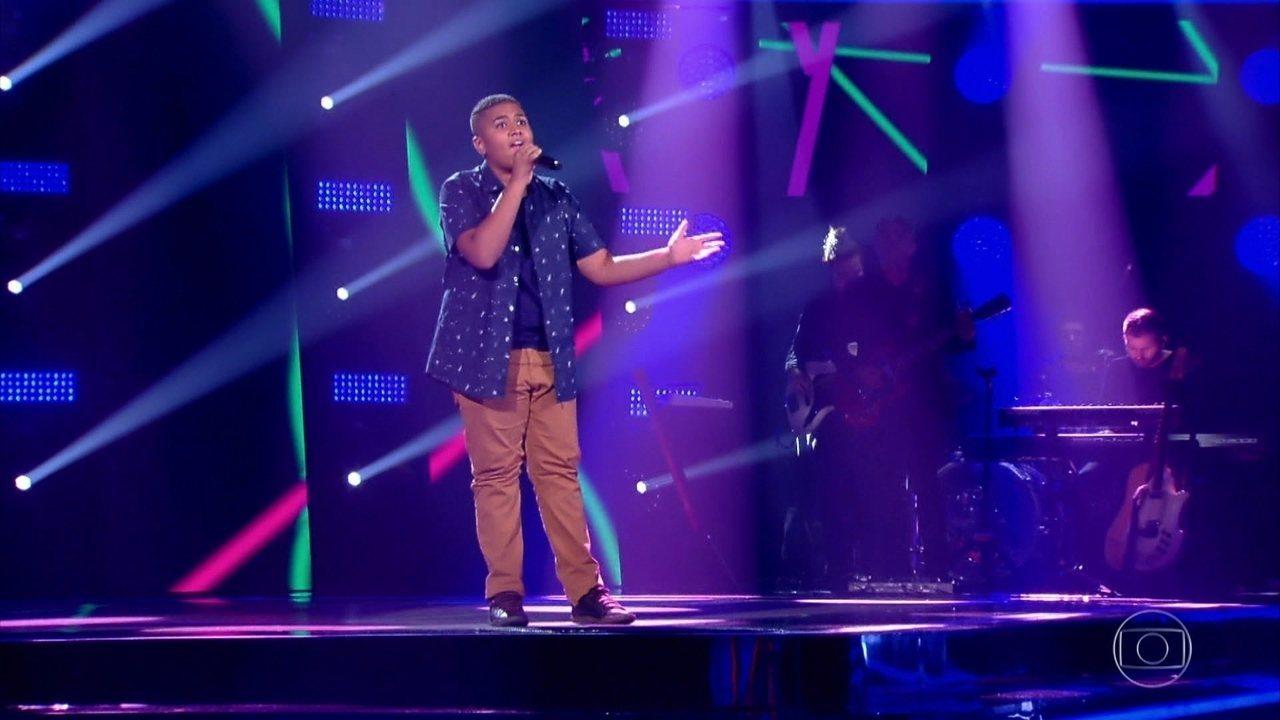 Luigi Oliveira canta 'No Meu Coração Você Vai Sempre Estar (You'll Be In My Heart)'