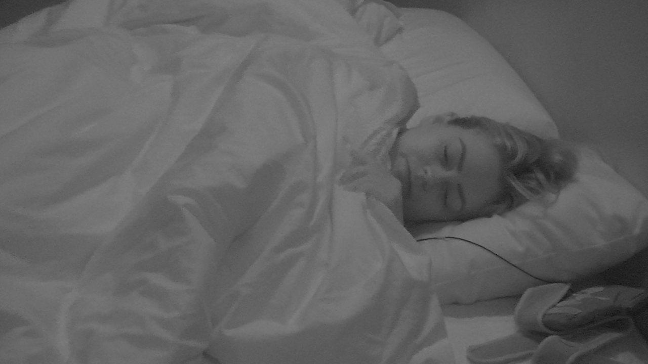 Isabella volta ao Quarto Diamante para dormir