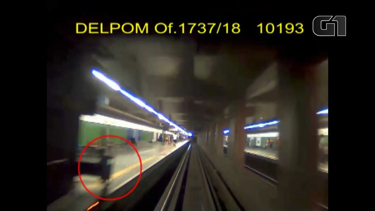 Câmeras mostram menino de 3 anos saindo de vagão de Metrô de SP até ser atropelado e morto