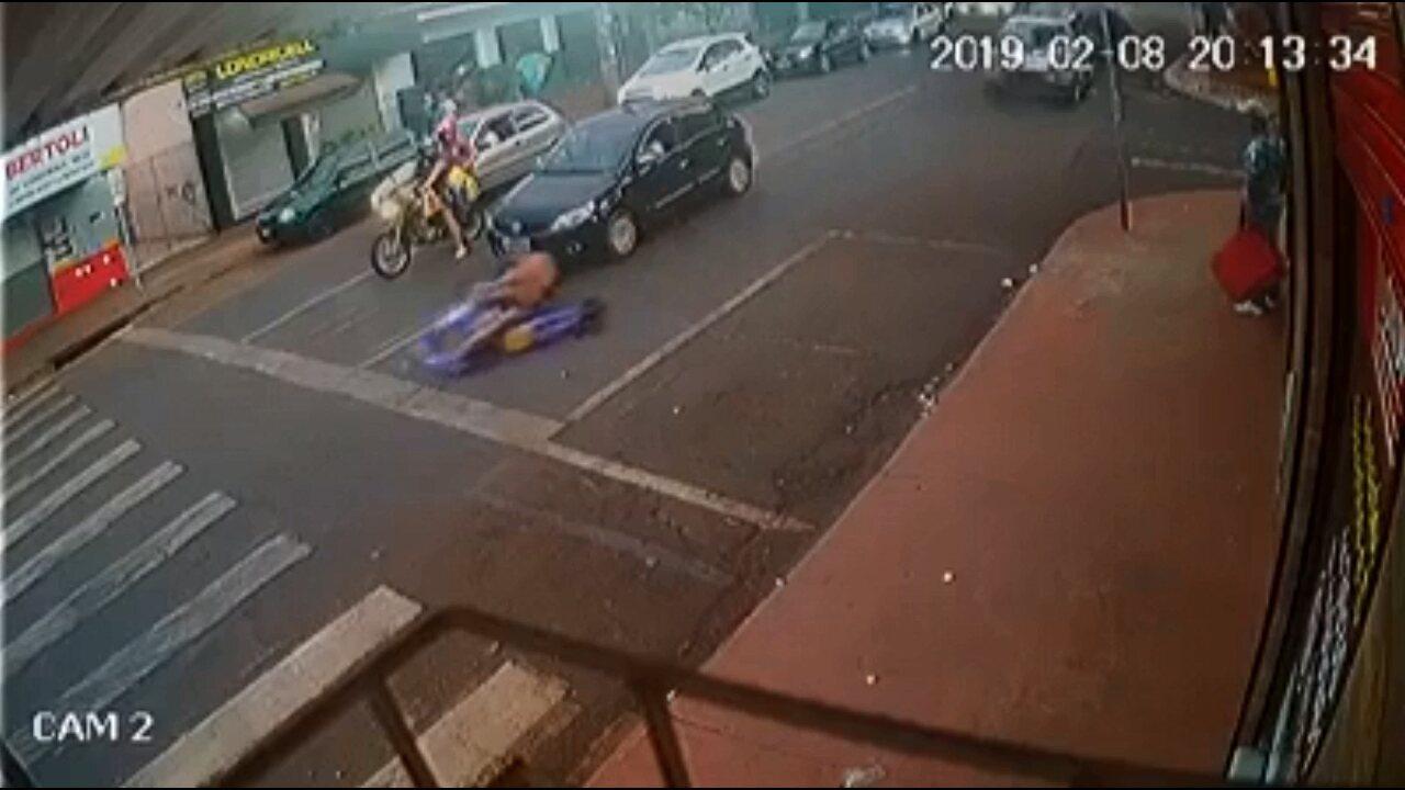 Homem que fugiu da PM com kart em Sarandi deixa a prisão após determinação da Justiça