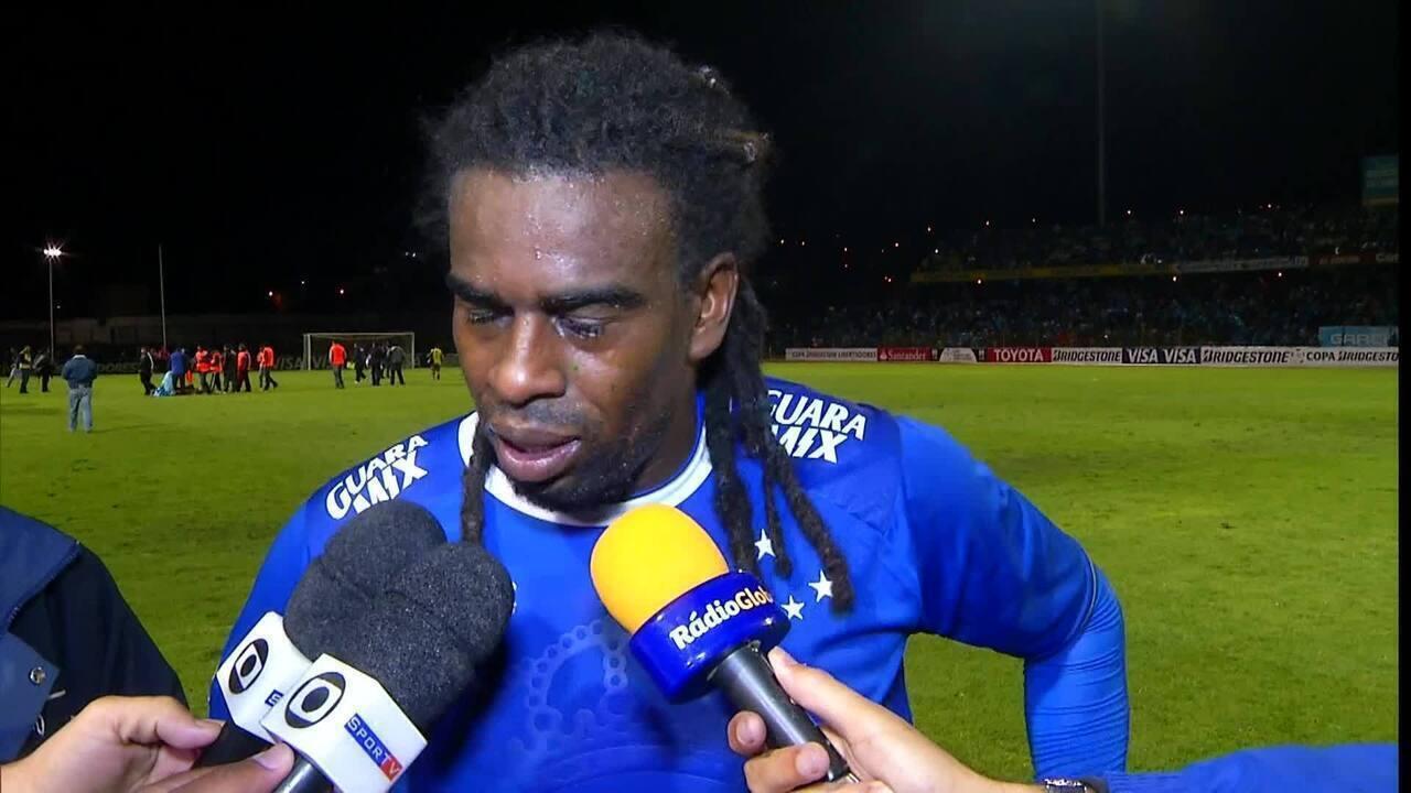 Tinga é alvo de injúria racial em jogo entre Real Garcilaso e Cruzeiro, pela Libertadores