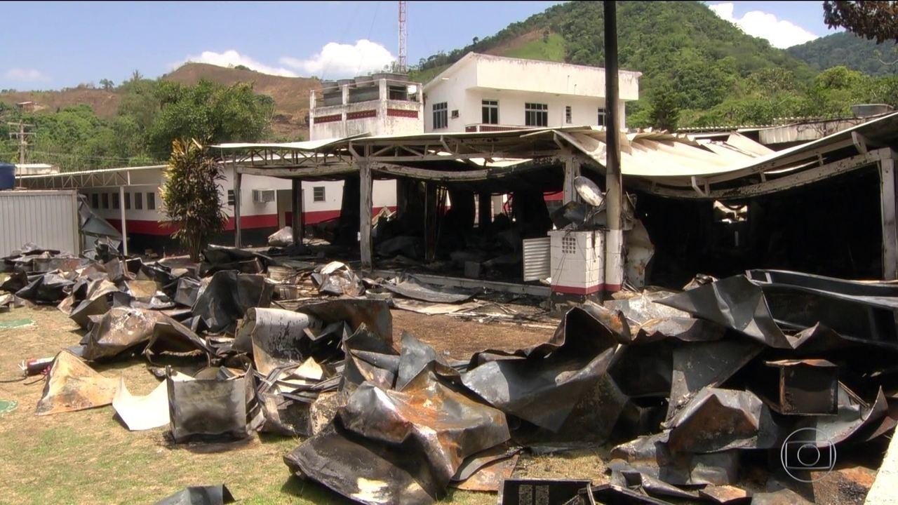 Especialistas culpam Flamengo e prefeitura pelo fogo em alojamento