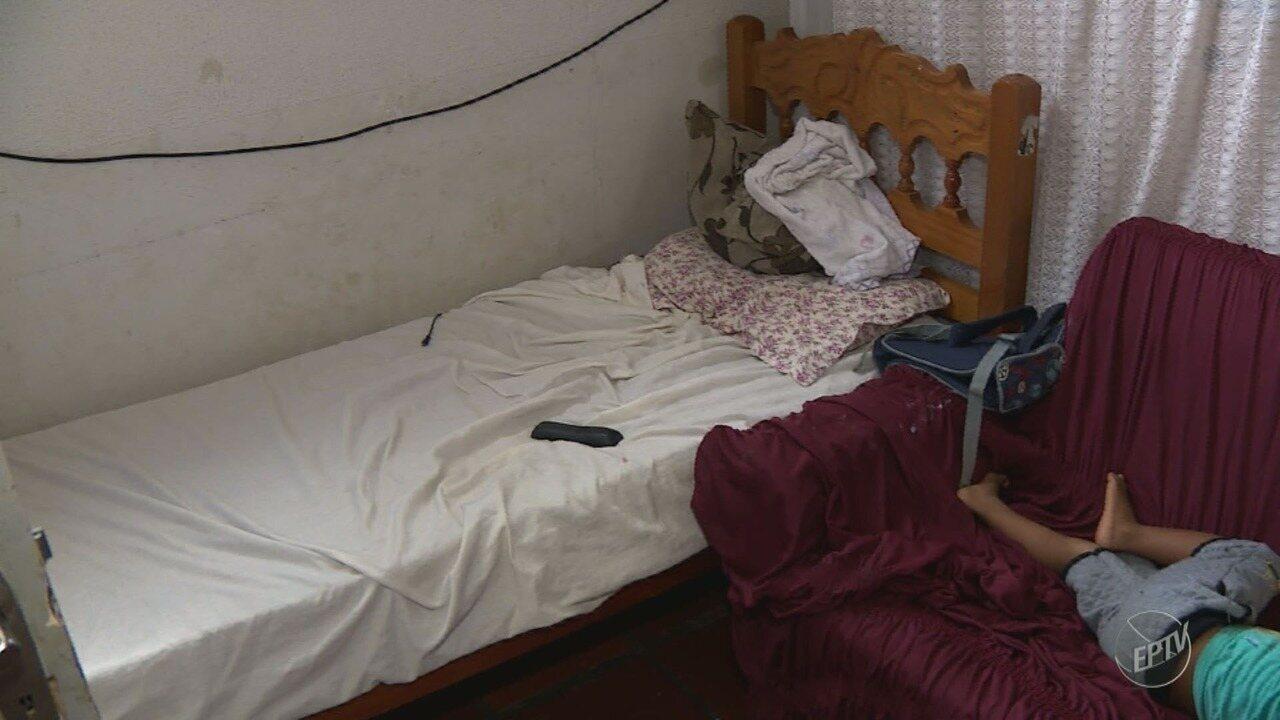 Famílias de baixa renda vivem em prédios públicos abandonados em Paulínia