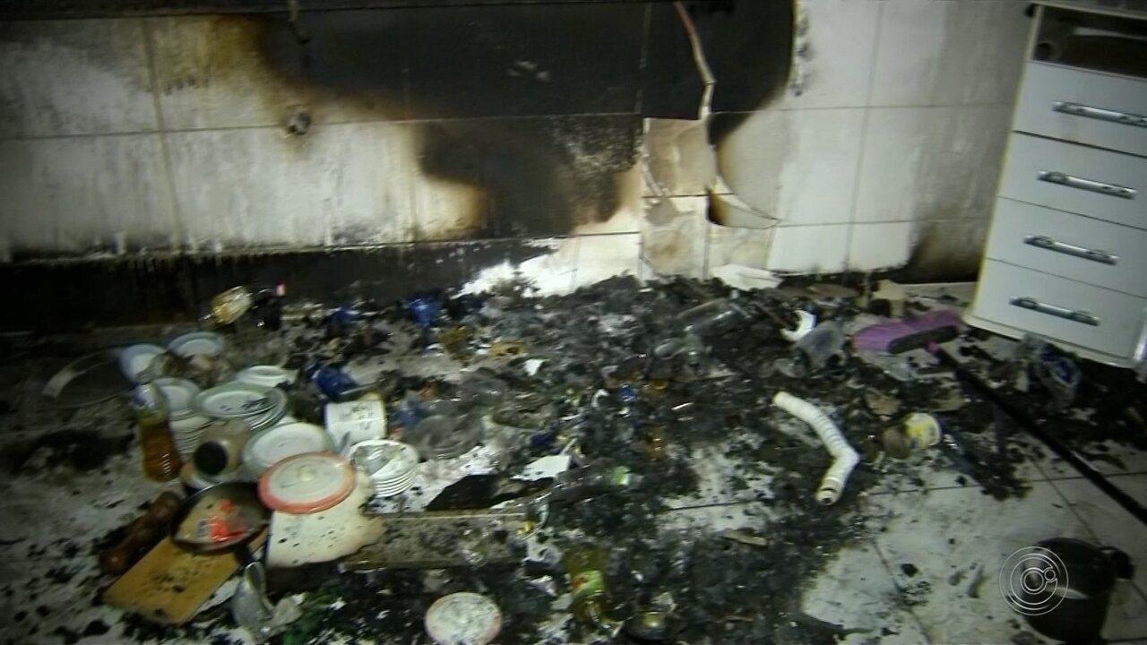 Corpo de menina que fugiu de abrigo e se feriu em incêndio é enterrado em Boituva