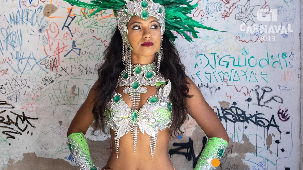 VEJA VÍDEO: Ana Carolina Ipaves é passista da Mancha Verde