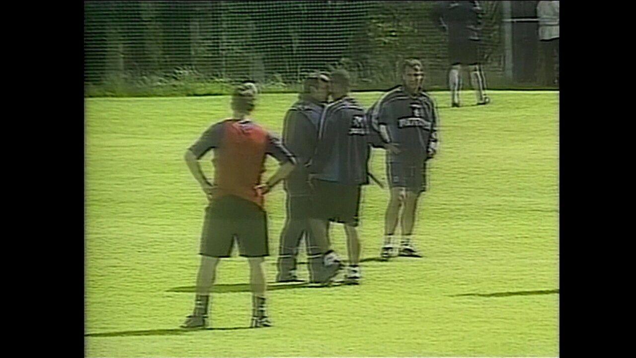 Os Indomáveis: Djalminha perdeu a chance de disputar Copa do Mundo de 2002 por causa de uma cabeçada nada certeira