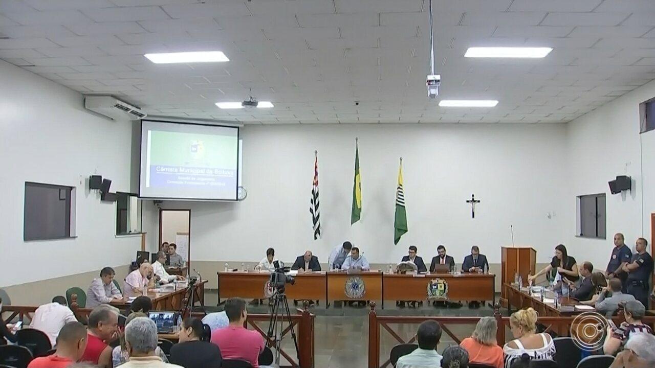 Vereadores continuam votação do relatório final da CP que investigou o prefeito de Boituva