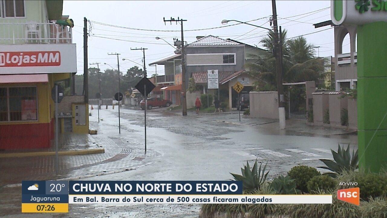 Balneário Barra do Sul registra 500 casas alagadas durante temporal