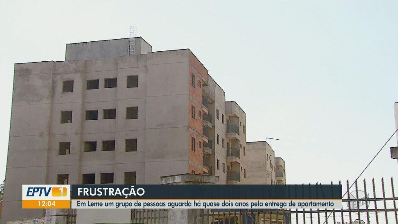 Moradores de Leme aguardam entrega de apartamento há 2 anos