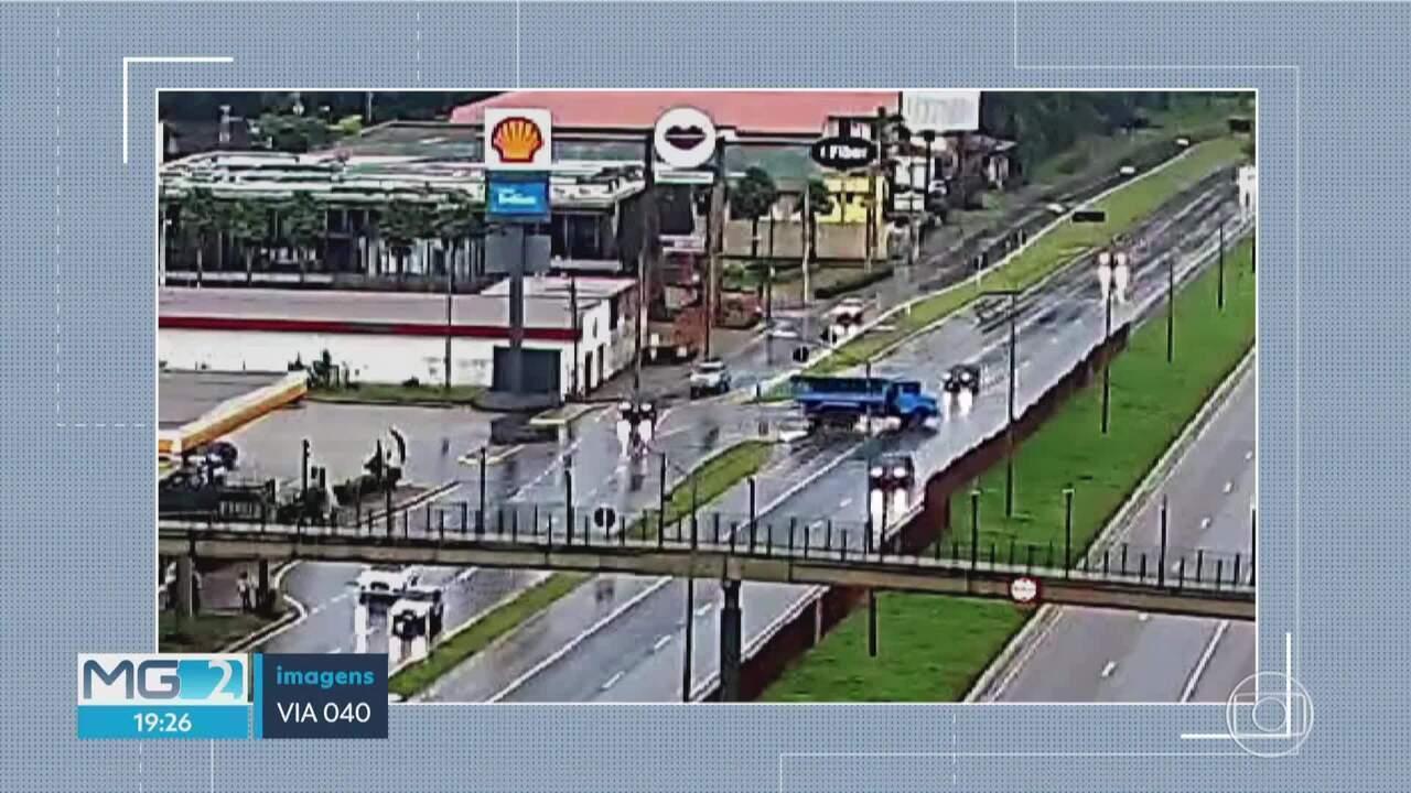 Caminhão desgovernado atravessa seis faixas da BR-040, na altura de Nova Lima, Grande BH