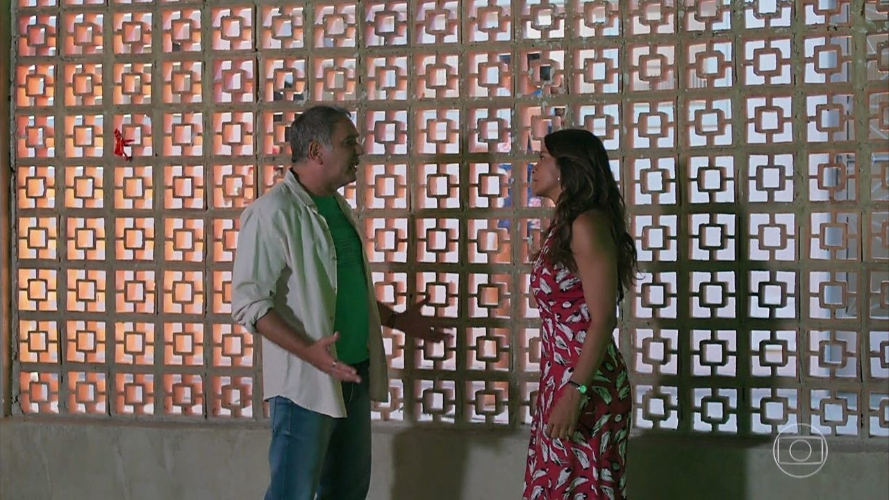 Janaína (Dira Paes) termina com Herculano (Humberto Martins)