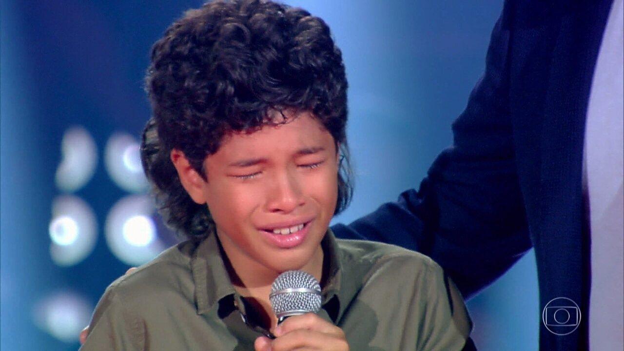 Alex Novais segue na competição após cantar com Luigi Oliveira e Adônis Tavares