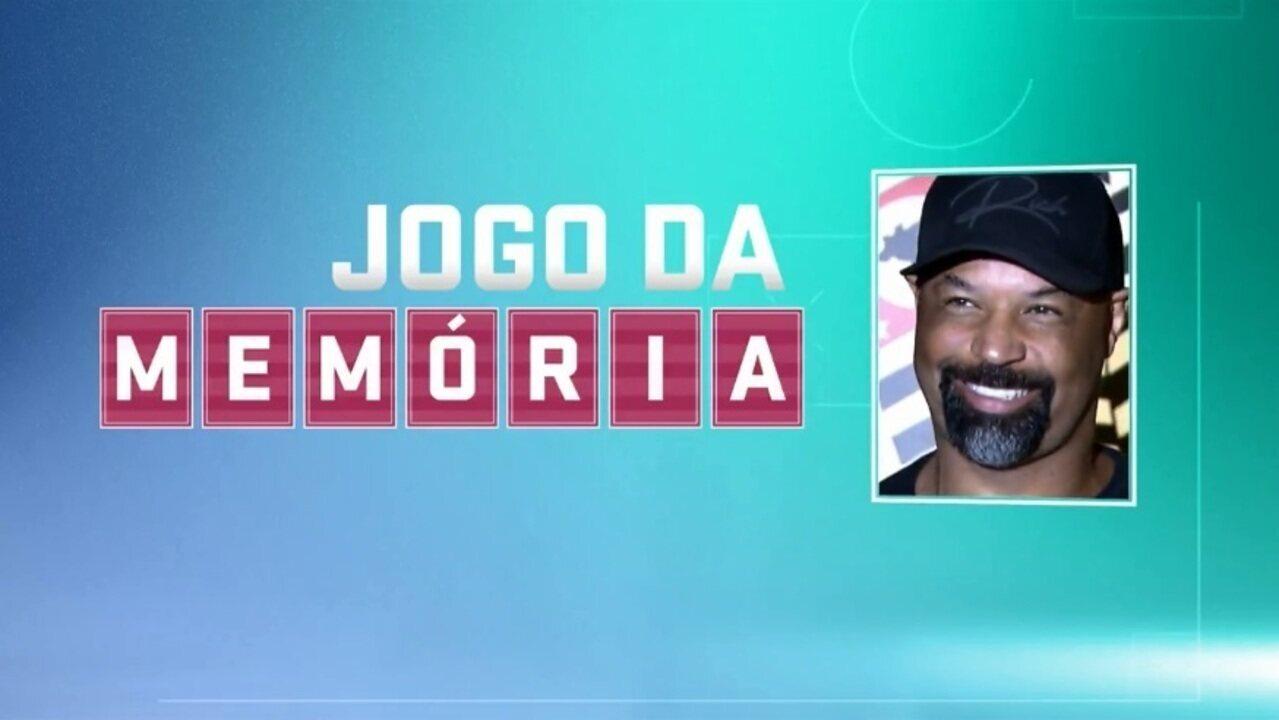 """Jogo da Memória #28: Dinei, """"o girafa"""" e a sambadinha no Corinthians x Palmeiras"""