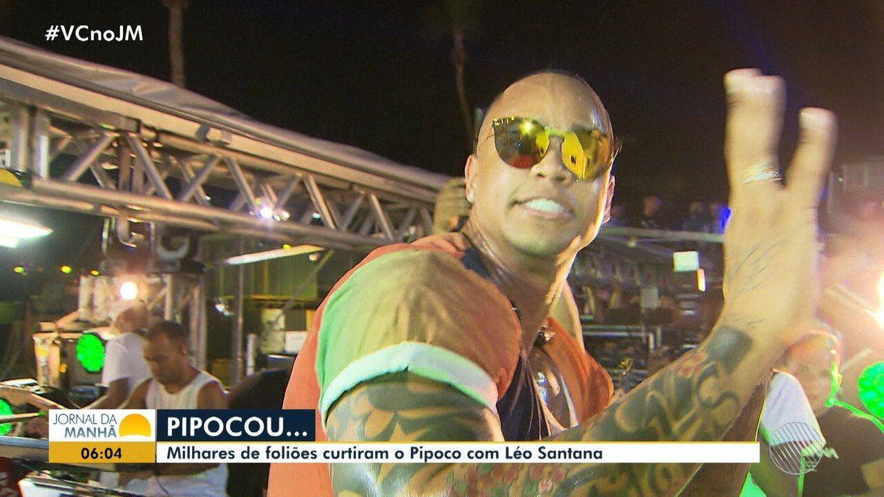 Léo Santana comanda o 'Pipoco' e atrai multidão no circuito Orlando Tapajós, em Salvador