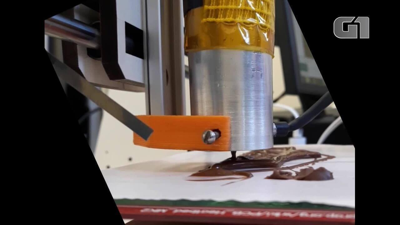 Estudantes de BH desenvolvem impressora 3D de chocolate