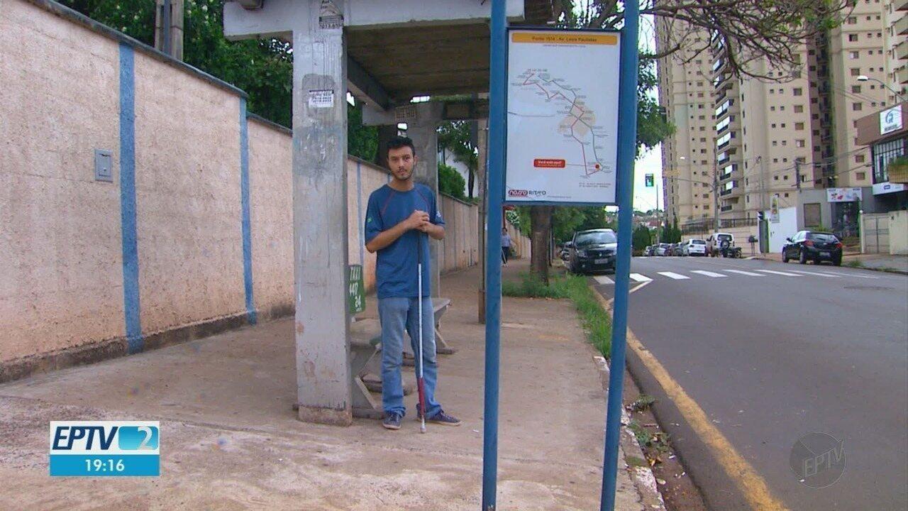 Motorista de ônibus faz campanha para comprar celular para jovem cego roubado em Ribeirão
