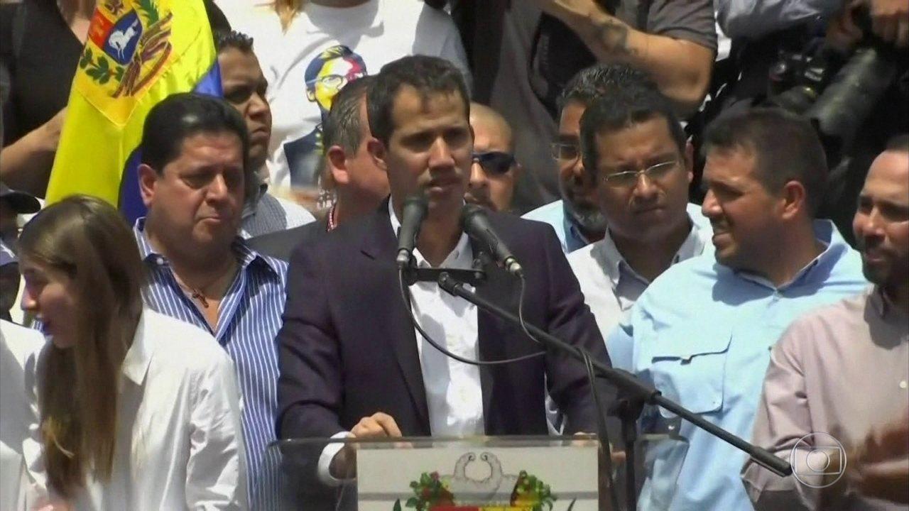 Autoproclamado presidente interino, Juan Guaidó volta à Venezuela