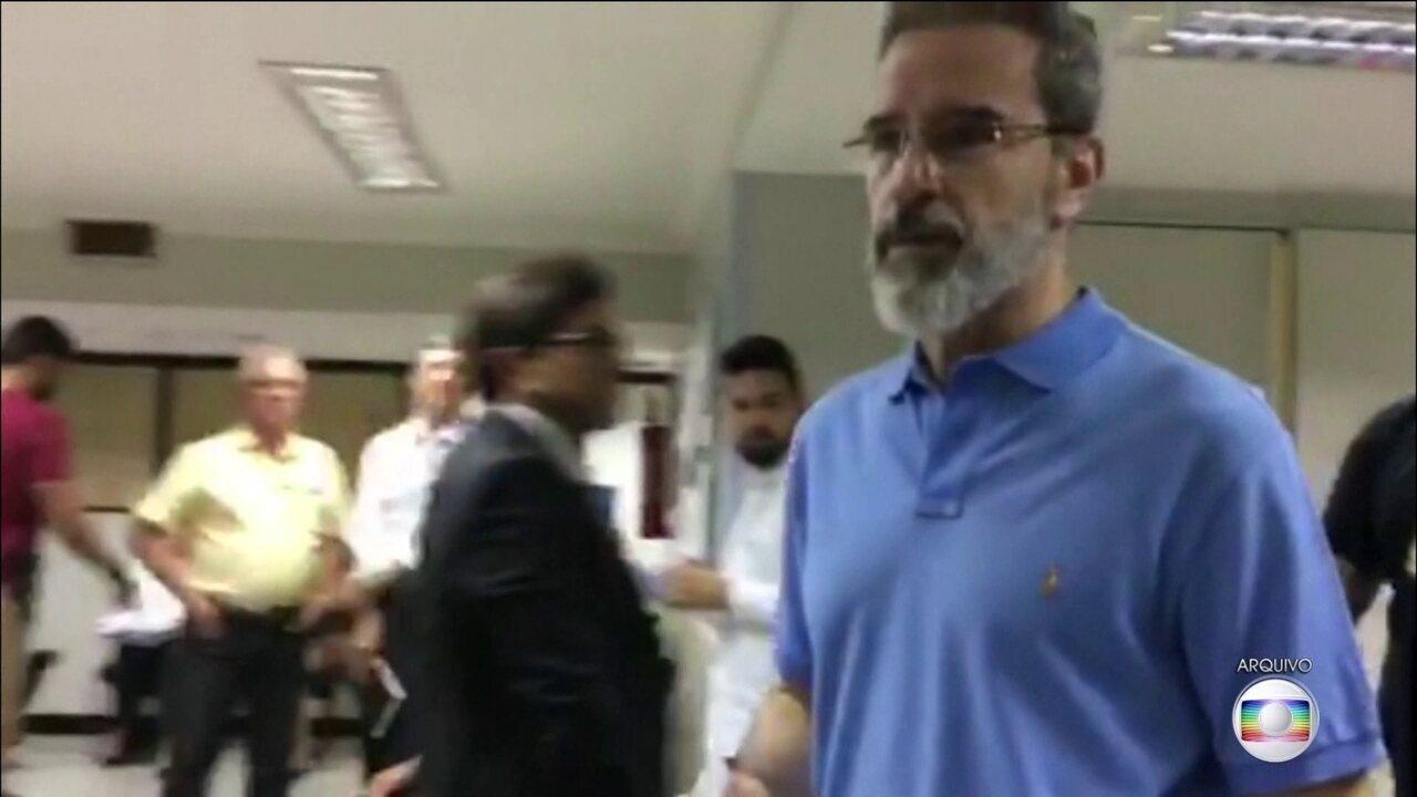 Senador cassado Luiz Estevão (PRTB) deixa o regime fechado e vai para o semiaberto