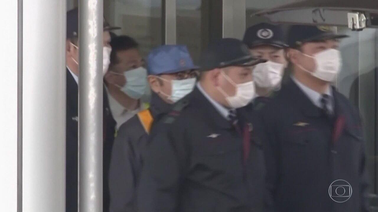 Ex-executivo da Nissan Carlos Ghosn paga fiança milionária e sai da prisão