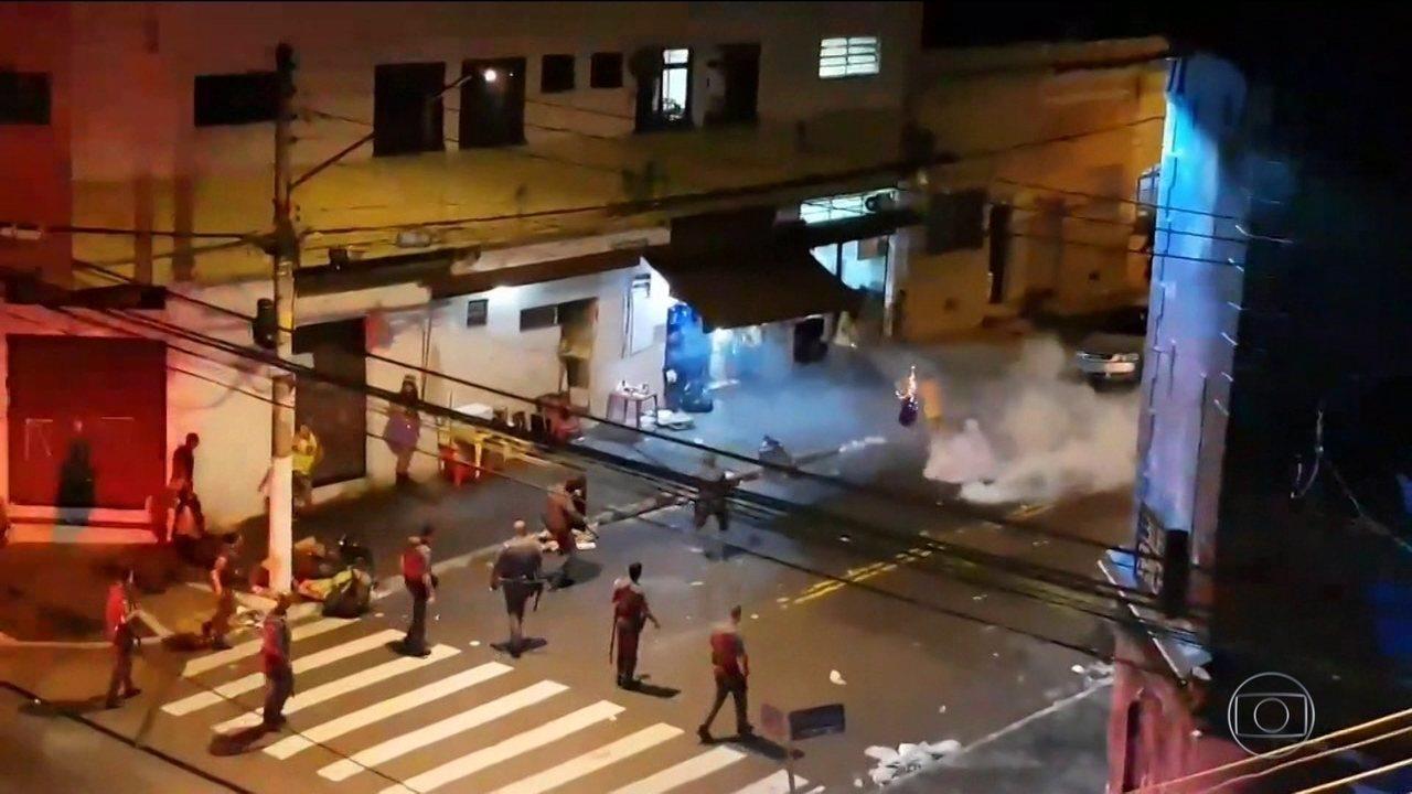 Polícia Militar de São Paulo investiga ação de PMs no fim de desfile de bloco.