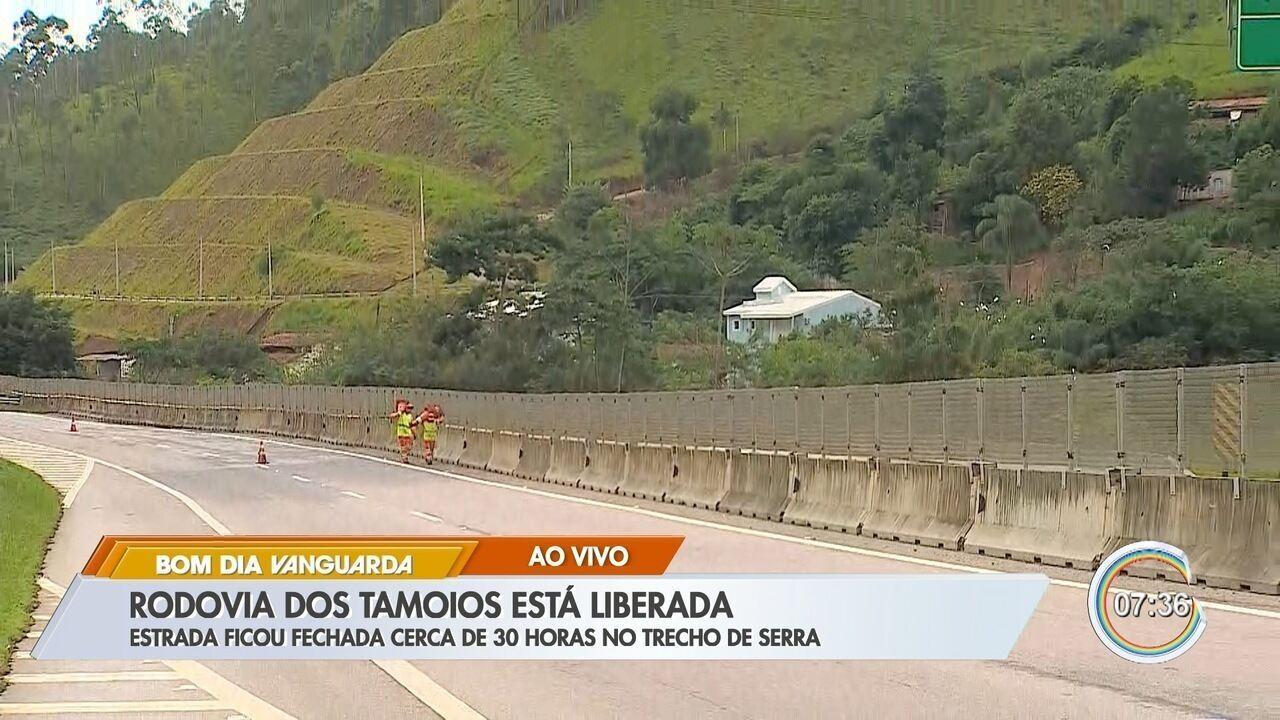 Rodovia dos Tamoios é liberada após 30 horas de interdição no trecho de serra