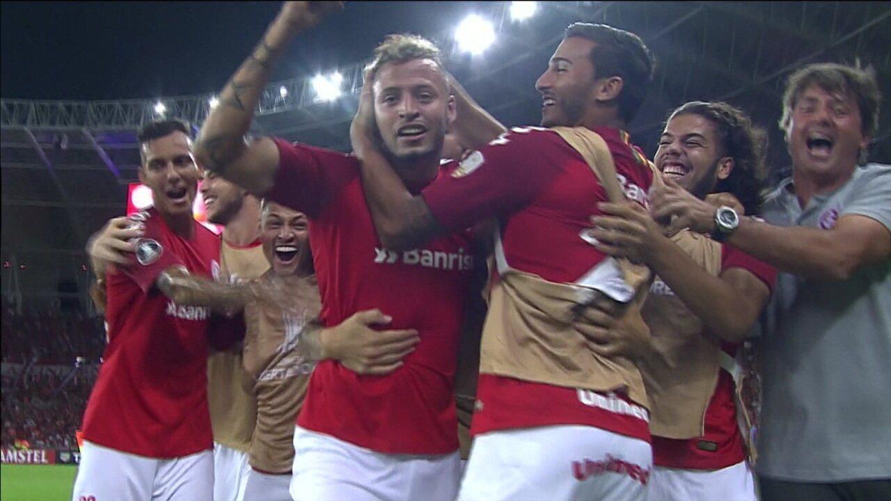 Nico López se redime e marca dois gols na vitória do Inter pela Libertadores