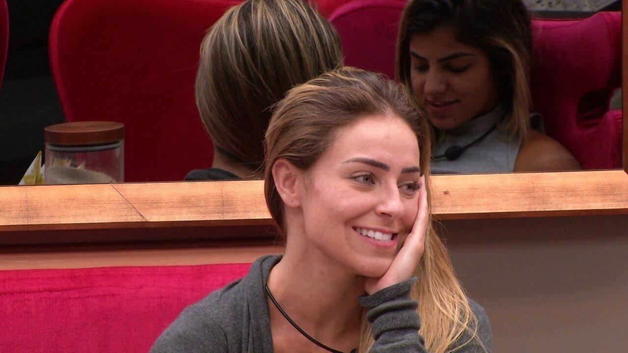 Paula analisa jogo e comenta: 'Rízia é queridona'